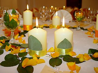 Floral decoration for the wedding table