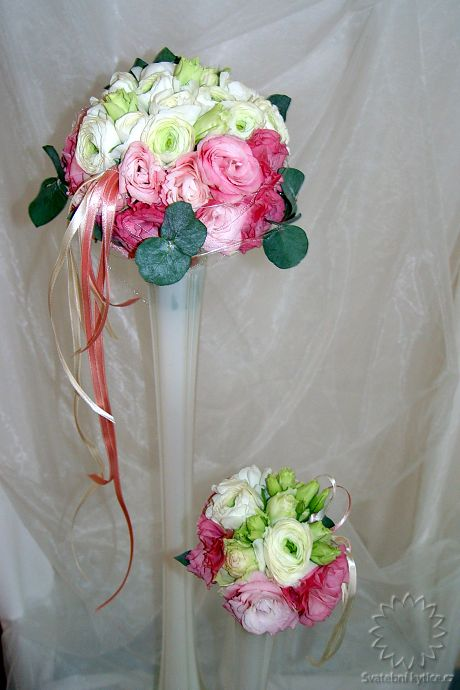 Bouquets for bridesmaid